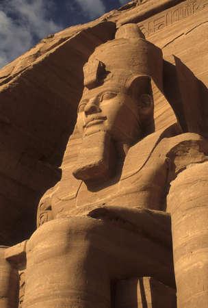エジプトのファラオ、アブ ・ シンベル エジプト座像、ワンダと巨像ラムセス 2 世 写真素材