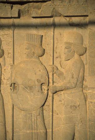 Medes y persas - soldados antiguos, detalle, escalera de Apadana, [ ciudad capital del imperio persa, Darius ] Persepolis Irán Foto de archivo - 839422