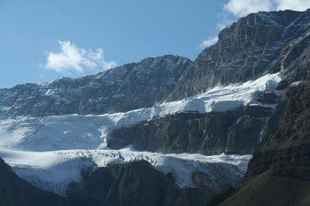 Crowfoot Glacier, 거리에서 서커스에 매달린 빙하, Columbia Icefields Parkway, Canadian Rockies, Banff, Jasper, Alberta, Canada