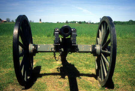 gettysburg battlefield: Three inch rifled cannon, head on,     Gettysburg National Historical Battlefield,   Pennsylvania,   Stock Photo
