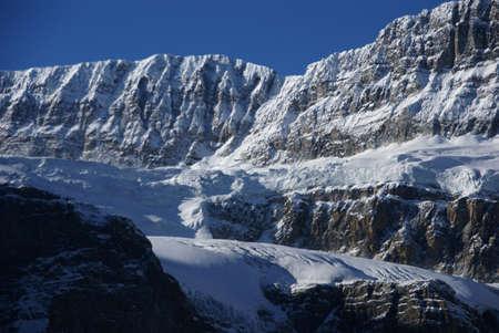 crowfoot 빙하, 서커스, 컬럼비아 아이스 필드 파크 웨이, 앨버타, 캐나다에 매달려 빙하