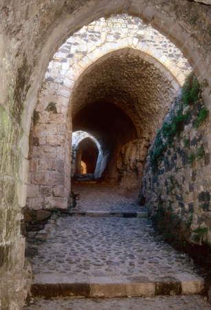 Ingang doolhof van Krak des Chevaliers, de bekendste Crusader kasteel, Syrië Stockfoto