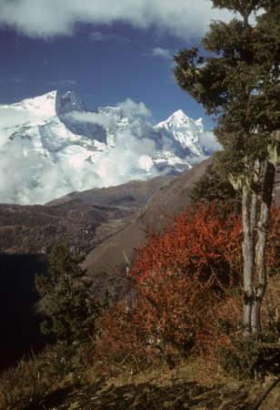 Everest in the distance,  Khumbu Himalaya, Nepal, Asia