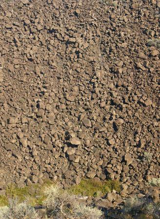talus: Panorama - acantilados de basalto y talud de flujo de lava antigua, Crooked River Canyon, Central Oregon