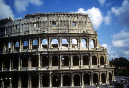Coliseum arcade ruins in Rome, Italy,Europe Banco de Imagens - 3538850