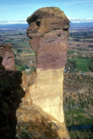 abseil: Monkey Face column, Smith Rock,  Oregon Cascades
