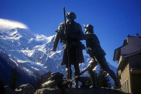 mont: Balmat And Saussure Monument In Front Of Mont Blanc Massif, Chamonix, France