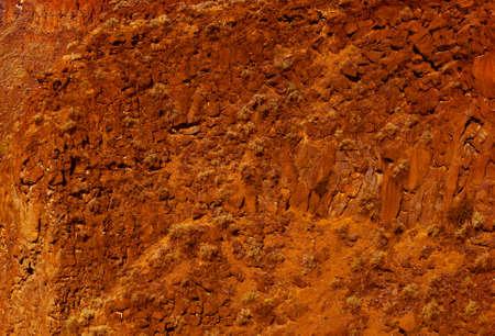 talus: Acantilados de basalto y el astr�galo del flujo de lava antiguo, Crooked River Canyon, Central Oregon