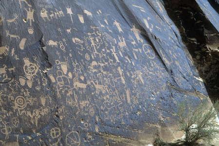 Indian petroglyphs and ancient rock art,    Utah, American Southwest