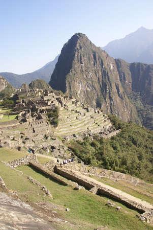 Inca を見下ろすワイナピチュ山遺跡マチュピチュ、ペルー、南アメリカ 写真素材