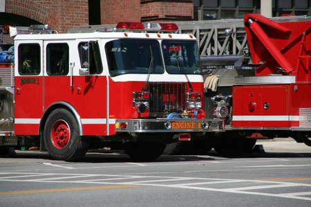 Brandweerauto's voor brandweerkazerne, St. Johnsbury Vermont Redactioneel