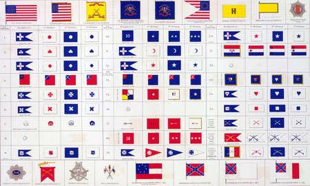 reb: Banderas militares del Norte y del Sur del Atlas que debe acompa�ar a los Documentos Oficiales de la Uni�n y los ej�rcitos confederados, 1861 - 1865 Foto de archivo