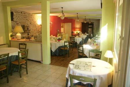 alfresco: Terrace and dining area  Hotel Les Charmilles, Beaulieu sur Dordogne, France
