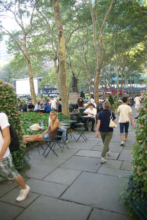 bryant park: NEW YORK 24 JULY 2008 -  Bryant Park is an oasis of tranquility in the heart of Manhattan.  Editorial