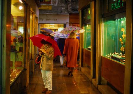 Window shopping on a rainy day,  Venice Italy, Europe  Sajtókép