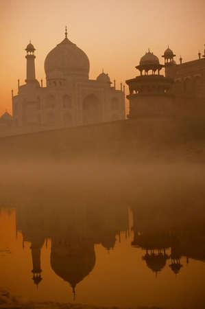 Taj Mahal, sunrise, from across the river,Agra,India Stock Photo - 11469942