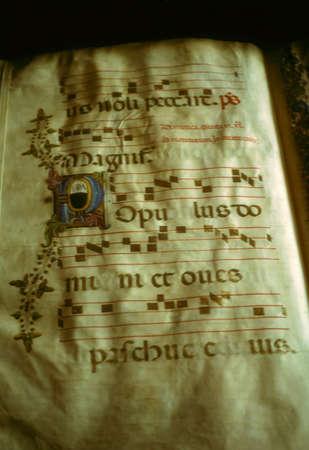 中世図書館、フィレンツェ、トスカーナ、イタリアでの装飾写本 報道画像