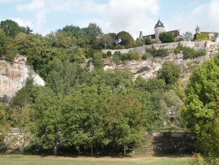 bluff: Chateau de Belcastel,  castle on a limestone bluff near Lacave , France   Stock Photo