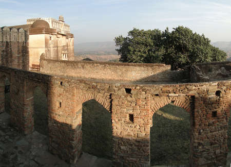 Fortified walls of  Kumbhalgarh Fort in  Rajasthan,  India, Asia                            photo
