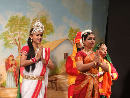 KHAJURAHO, INDIA - NOV 4 -  Indian dancer performs classical dance  on Nov 4, 2009  in Khajuraho, India.                        Редакционное
