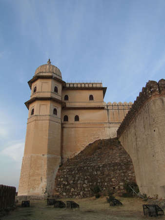 rajput: Castle and fortified walls of  Kumbhalgarh Fort in  Rajasthan,  India, Asia