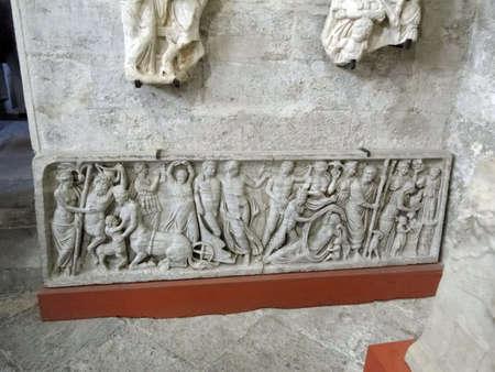 escultura romana: Detalle de la escultura romana y la decoraci�n se encuentra en Avignon, Francia Foto de archivo