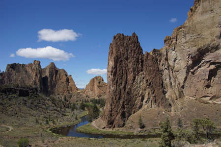 smith rock: Valley floor of the Crooked River  near Smith Rock State Park, Central Oregon