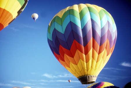 青空、国際バルーンフェスティバル アルバカーキ、ニュー メキシコの熱気球