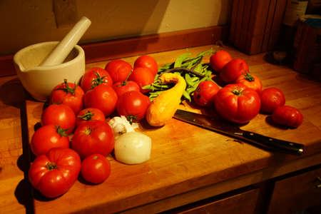 bounty: Recompensas de cosecha - tomates, calabaza y jud�as verdes desde el jard�n de verano Seattle Foto de archivo