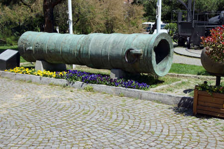 conqueror: Bronze cannon  of Sultan Mehmet the Conqueror Askeri Military Museum in Istanbul, Turkey