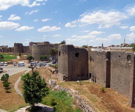 Medieval walls and towers, originally built in 4th century then restored in 11th century  Diyarbakir, Turkey  Archivio Fotografico