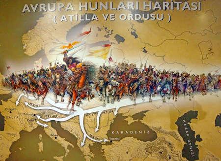 アッティラと草原、イスタンブール、トルコの軍楽隊軍隊博物館を渡って満たしているふん族 報道画像