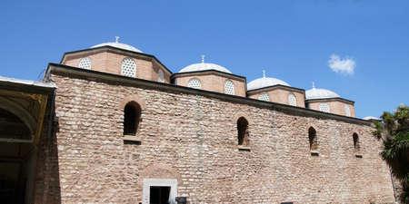 topkapi: Ottoman walls of the Topkapi Palace  in Istanbul, Turkey