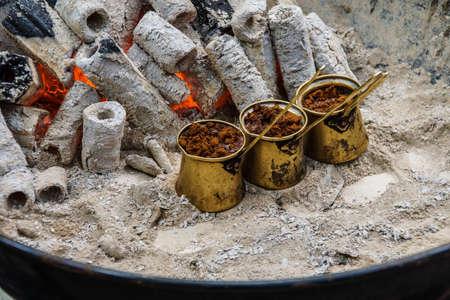 Turkish coffee brewed on charcoal in traditional method,  Safranbolu, Turkey Stockfoto
