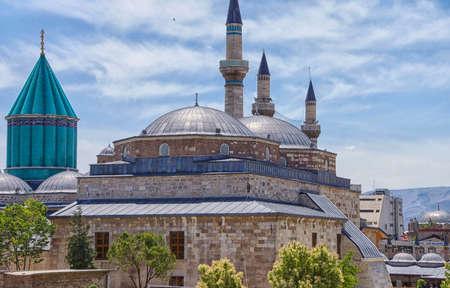 メヴラーナ神社とコンヤ、トルコのモスクのドーム 写真素材
