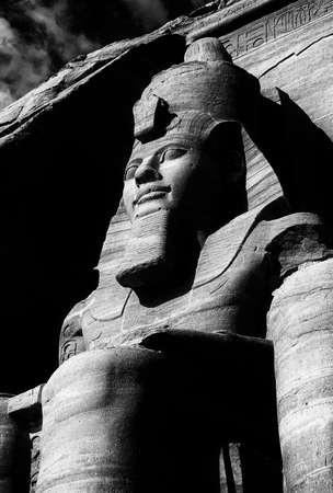 Ramsés II coloso, figuras sentadas, faraón egipcio, Abu Simbel, Egipto Foto de archivo - 30949083