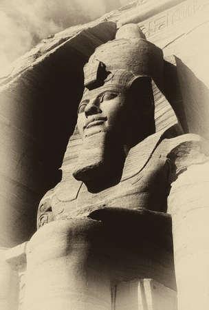 Ramsés II coloso, figuras sentadas, faraón egipcio, Abu Simbel, Egipto Foto de archivo - 30925081