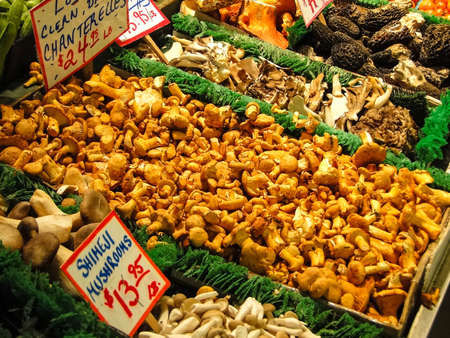 pike place market: Fresh mushrooms on display  in the Pike Place Public market, Seattle Stock Photo