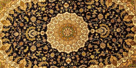 hand woven: Dettagli di tappeti tessuti a mano in negozio tappeto Efeso, in Turchia