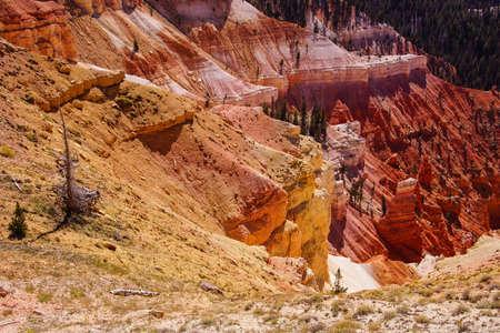 breaks: Eroded red Navajo sandstone pinnacles and canyons Cedar Breaks National Monument, Utah Stock Photo