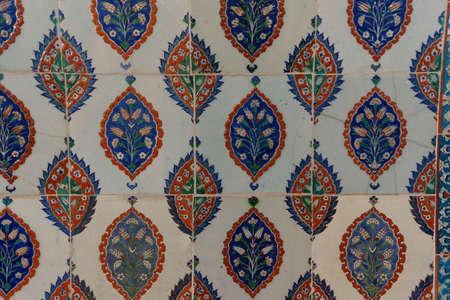 iznik: ISTANBUL, TURKEY  - MAY 18, 2014 - Intricate Iznik mosaic tile work  for the tomb of Selim II,  in Istanbul, Turkey Editorial