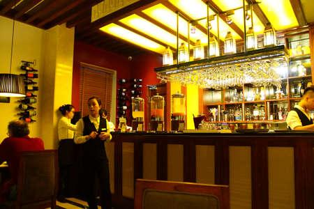 HANOI, Vietnam - 1 février 2015 - Restaurant bar dans Essence Hôtel, Hanoi, Vietnam Banque d'images - 37658569