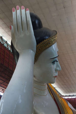 Reclining buddha,Chauk Htat Gyi Pagoda, Yangon (Rangoon),  Myanmar (Burma) Stock Photo