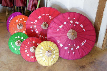 Hand made wooden umbrellas using mulperry paper, Inle Lake Myanmar (Burma) Banco de Imagens