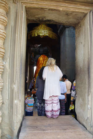 Multi-armed Vishnu in Gateway chamber of  Angkor Wat,  Cambodia Stock fotó - 39413929