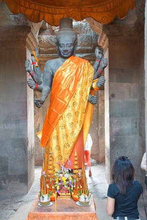 Multi-armed Vishnu in Gateway chamber of  Angkor Wat,  Cambodia Stok Fotoğraf