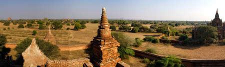 stupas: Antichi templi e stupa sulla plainsBagan Myanmar (Birmania) Archivio Fotografico