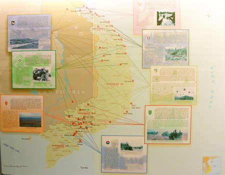 cronologia: SAIGON - 05 de febrero 2015 - Mostrando en el mapa deplyment y compromiso batallas de Estados Unidos militar durante la Guerra de Vietnam, War Remnants Museum, Editorial