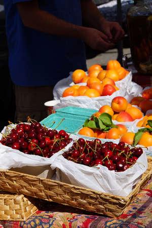 Spring cherries and nectarines at the  Saturday Market,  Penticton, British Columbia, Canada Stock fotó - 41683732