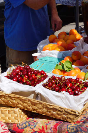 Spring cherries and nectarines at the  Saturday Market,  Penticton, British Columbia, Canada Stock fotó - 41840067